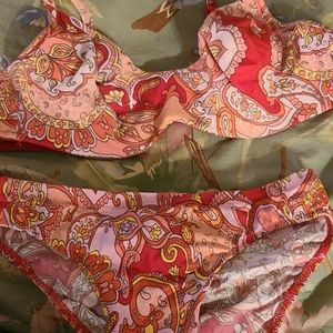 VICTORIA'S SECRET BRA SET